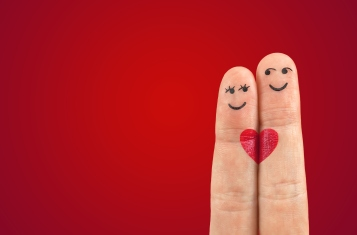 Valentines-Day-love-romance-heart-fingers-Valentines-Day-love-romance-heart-fingers.jpg